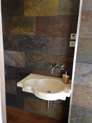 Taille vieil évier/vasque en pierre